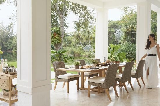 6 Tips To Know Before Buying Outdoor Teak Furniture
